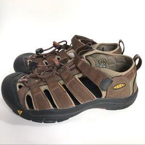 KEEN Newport Water Proof Sandals- size 5